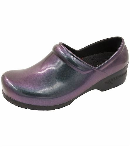 Anywear by Cherokee Closed Back Plastic Clog SRANGEL